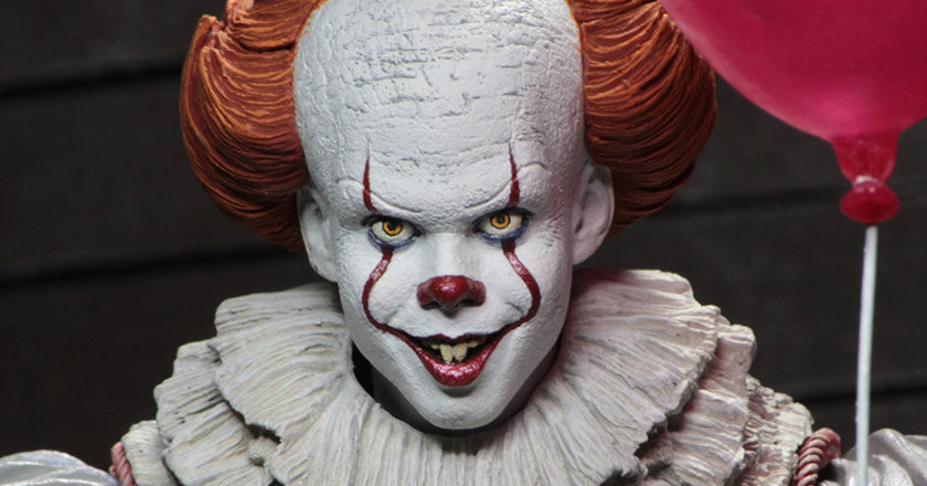The face of the NECA Pennywise 2017 action figure